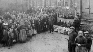 Derrière la muraille d'acier: vivre sou l'occupation en 14-18
